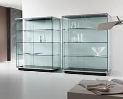 Шкаф из стекла 1