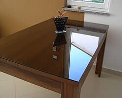 коричневое стекло на стол